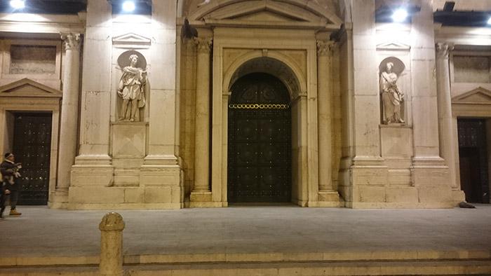Lavorazione Portone Duomo Reggio